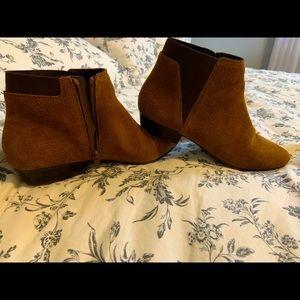 Cognac suede leather Chelsea boots